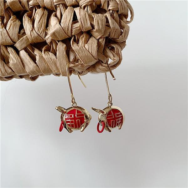 2021牛年中國風國潮小眾設計紅鼻子牛耳環耳勾 網紅精致時尚耳環