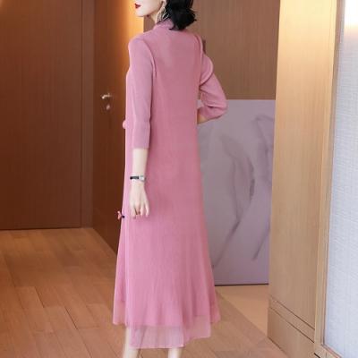 中國風淡雅粉寬鬆旗袍壓褶洋裝長裙-F-糖潮