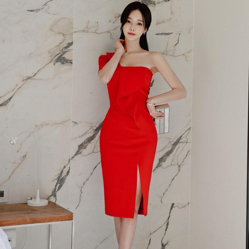 GUYU古瑜韓版紅色喜宴洋裝優雅斜肩一字領禮服及膝開衩婚禮連衣裙