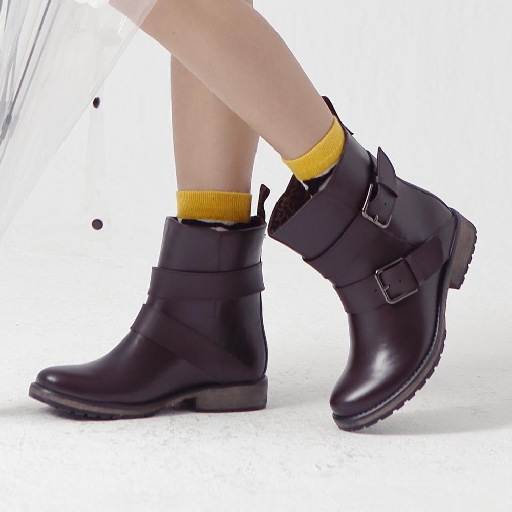 1/1-1/31雨天防禦術限時單一價↘Kuru Mira雨靴-雙釦機車工程短雨靴-咖(原價1880)
