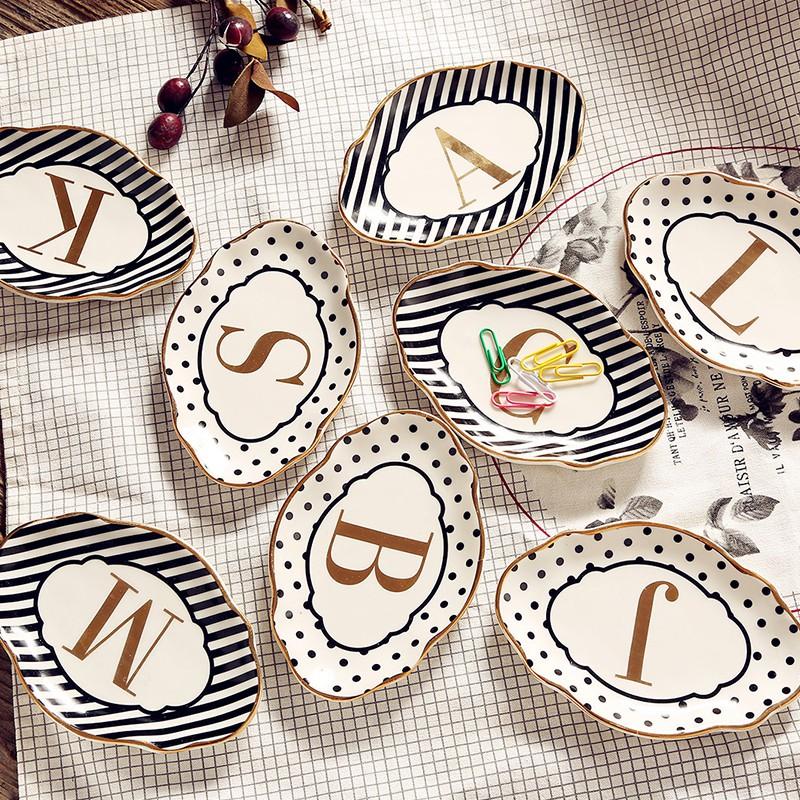 【四季家】歐式 金邊波點條紋碟子燙金字母迷你形的很漂亮 英文字母款擺件
