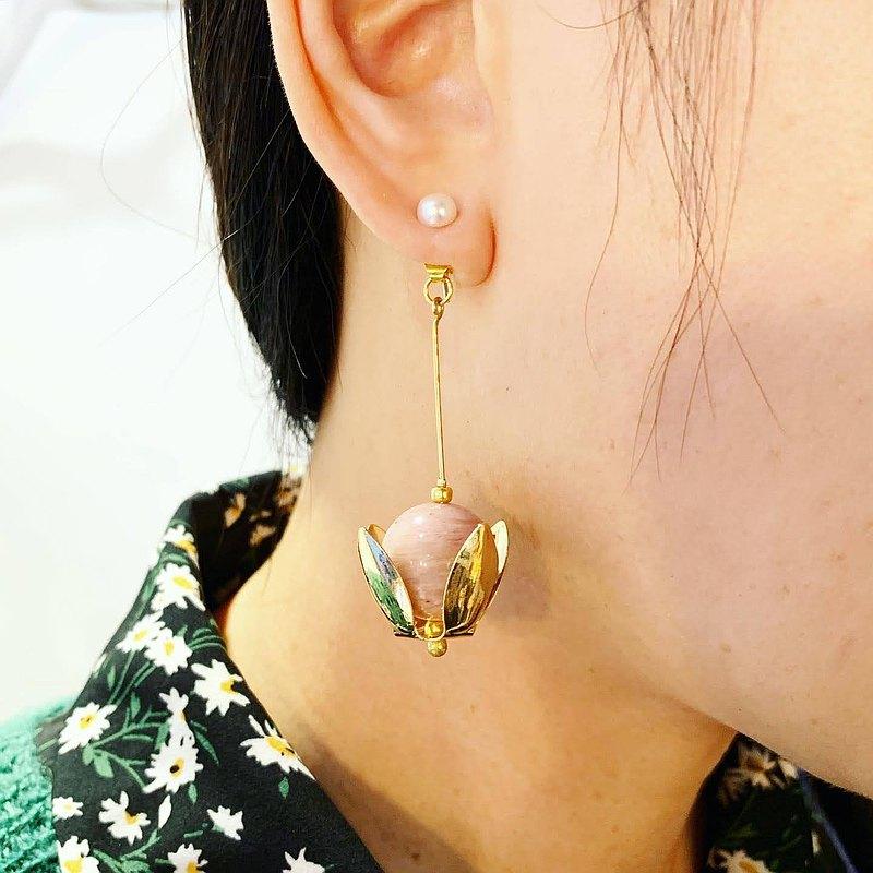 獨家-花朵造型玫瑰石天然珍珠貼式+ 垂墜天然石活動雙用_貼式耳環