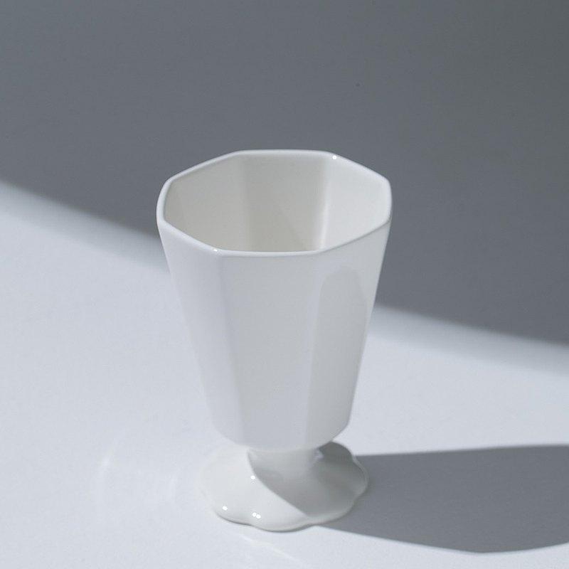 八角形花陶瓷酒杯