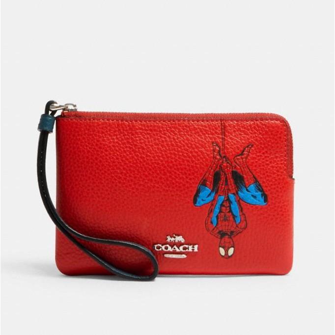 COACH 3583 漫威蜘蛛人聯名款 手拿包 零錢包 荔枝紋真皮 L型拉鍊 零錢包 手機包 手拿包 紅色(現貨)