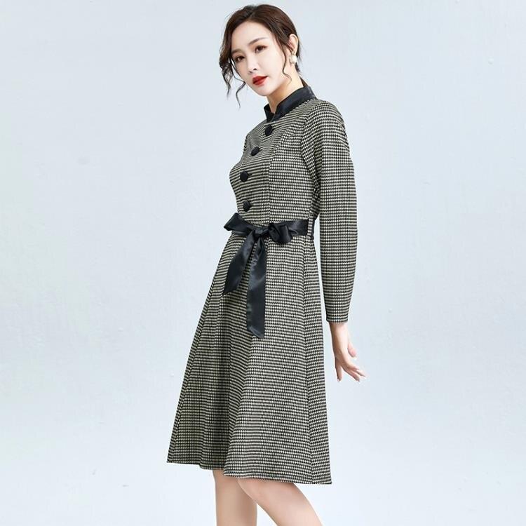 長袖洋裝 2020秋季新款女裝單排扣立領系帶中長款連衣裙名媛風中腰格紋裙子