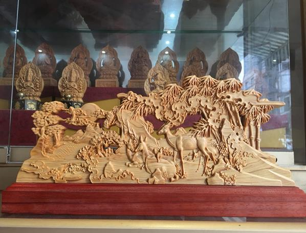 崖柏雕刻仙鶴引路擺件家居辦公工藝品鏤空雕刻工藝實木書房裝飾品1入