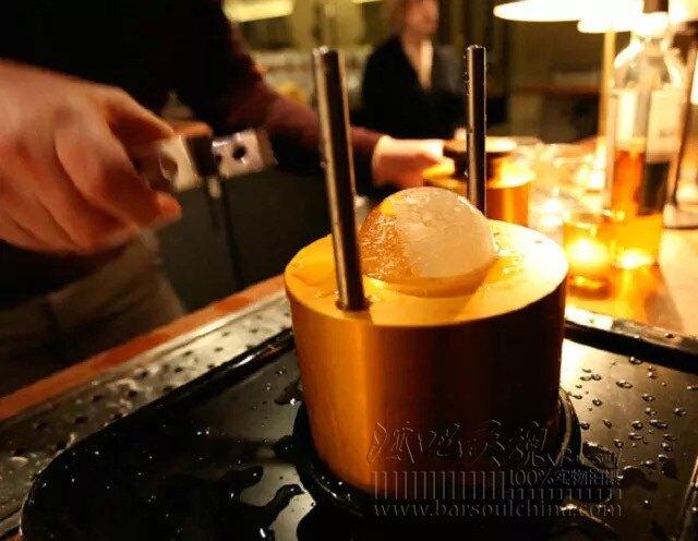 調酒器 酒吧靈魂鍍金冰球壓制模具多規格30秒圓形威士忌冰球模具-快速出貨FC
