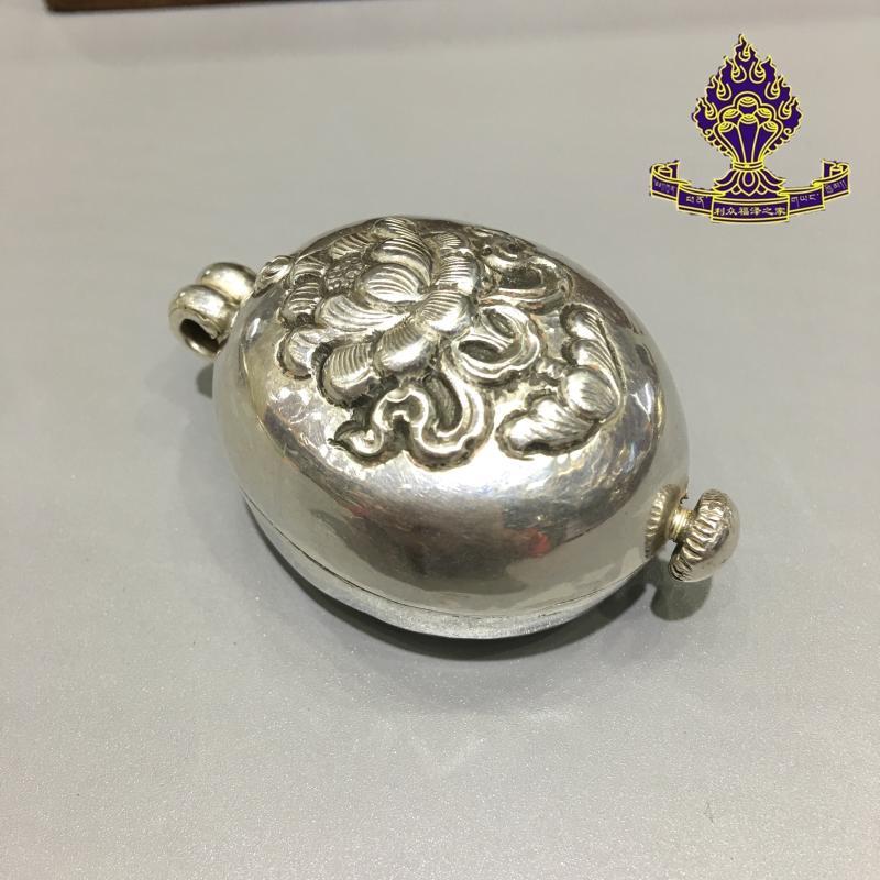 【利眾福澤之家】藏傳佛教用品 尼泊爾手工純銀妙蓮花嘎烏盒1入