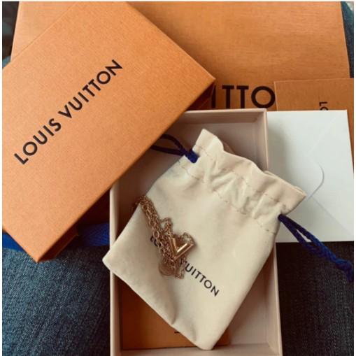 【莉莎 二手奢品小站】LV LOUIS VUITTON ESSENTIAL V 項鏈 黃銅項鍊 頸鍊 M61083