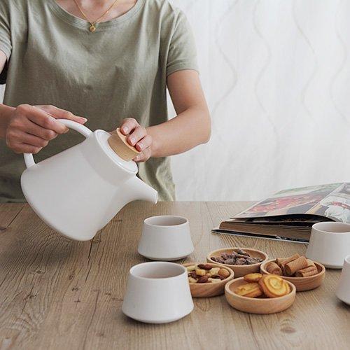 LINKIFE 北歐風格 白瓷茶壺茶具組(一壺四杯)