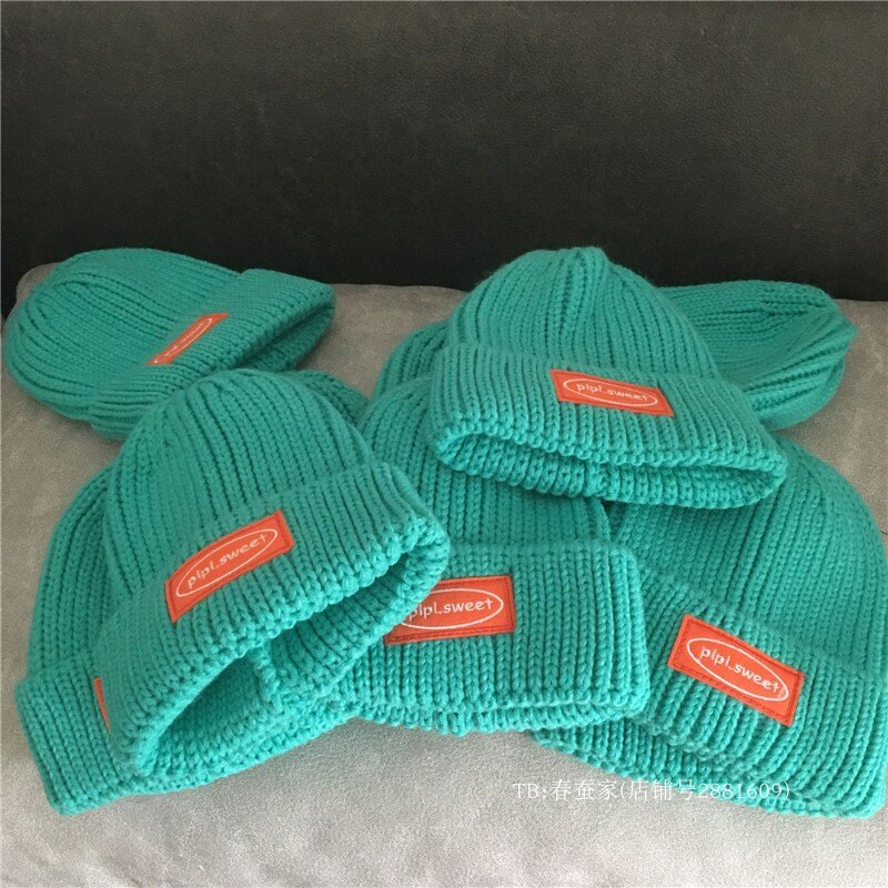 可酷可甜美~湖藍色毛線帽女撞色刺繡貼布粗毛線帽子冬韓版針織帽1入