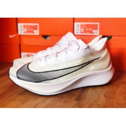 全新正品 Nike Zoom Fly3 白色 AT8240-100 現貨