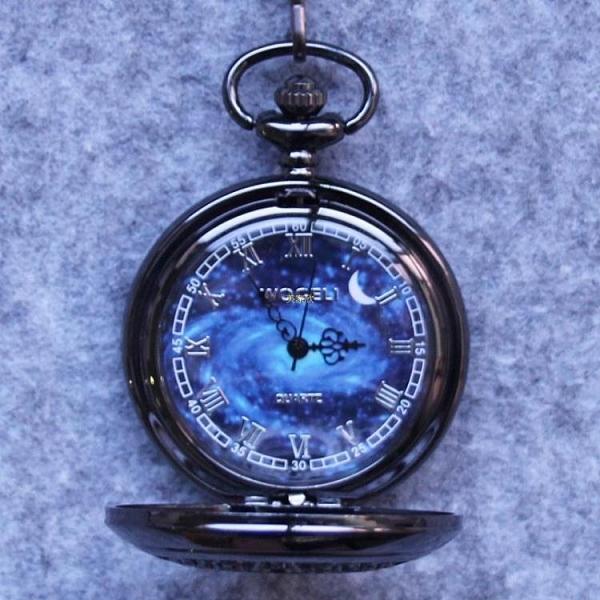 沃格麗個性星空鏤空復古懷錶男翻蓋創意情侶學生石英非機械手錶女 快速出貨