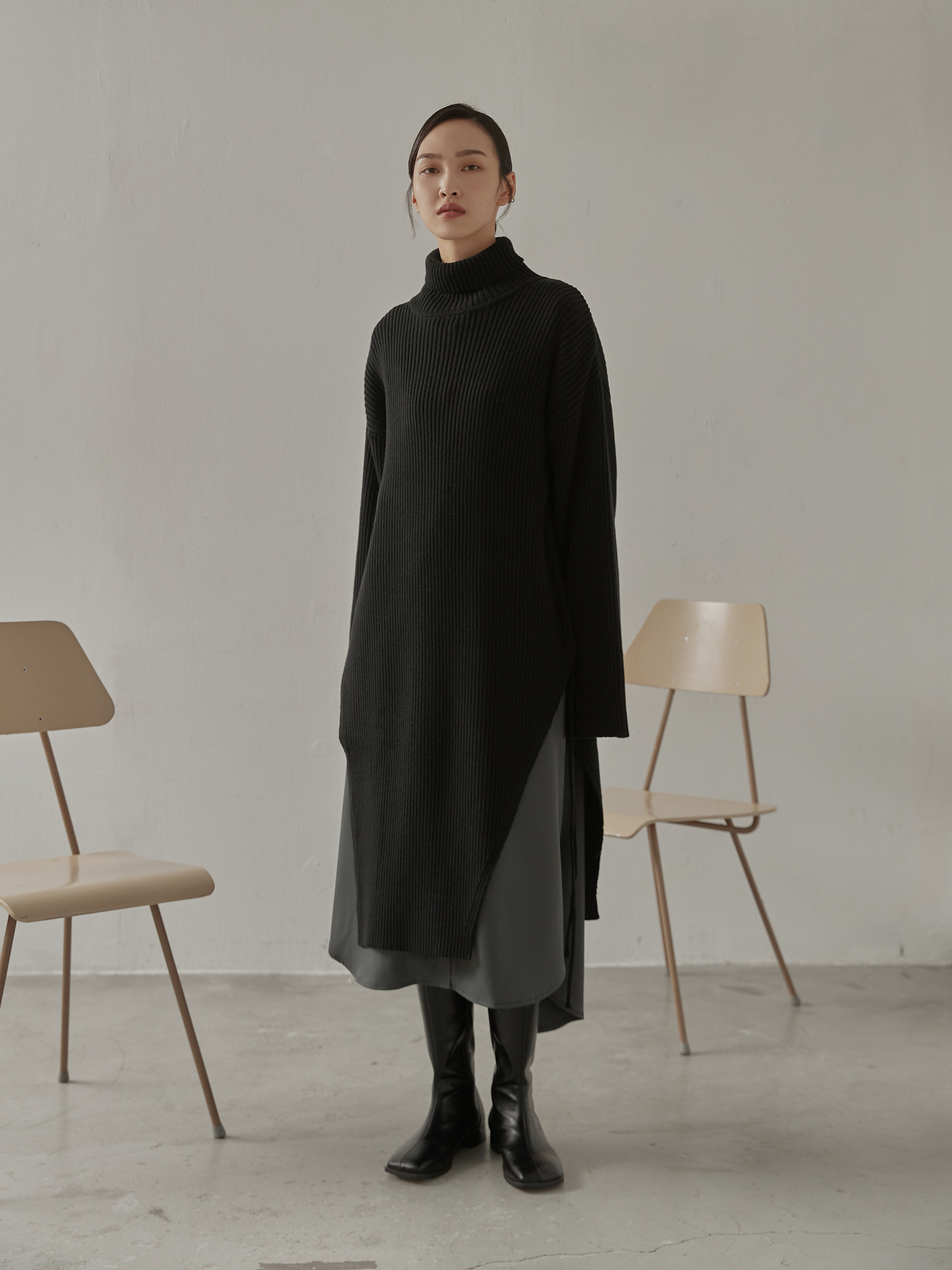 mouggan+抽繩斜襬長版毛衣