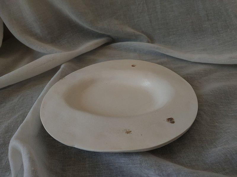 盤 / 純白污斑 大圓