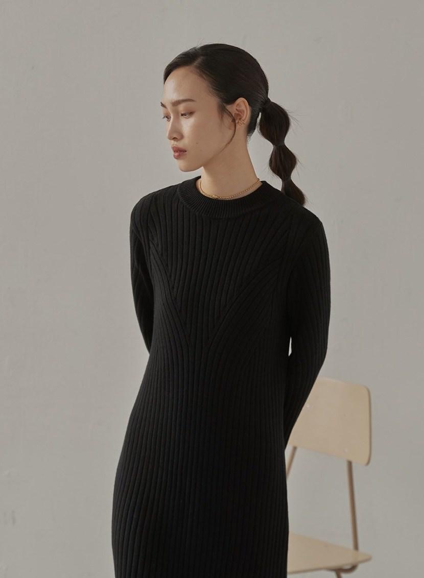 小立領寬羅紋針織洋裝-mouggan
