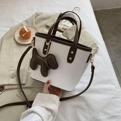 網紅復古小包包女包2020新款潮時尚百搭單肩斜挎包手提托特水桶包