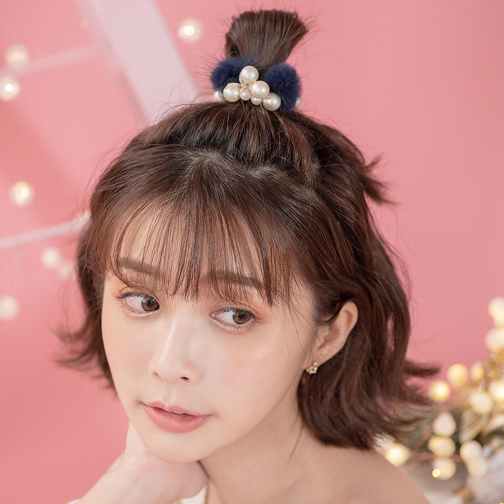 珍珠串奢華小毛球髮圈(3色)-F10023