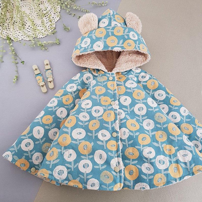 日本厚棉日風藍綠底花朵~多功能使用雙面穿 雙頭夾可當揹巾披風罩
