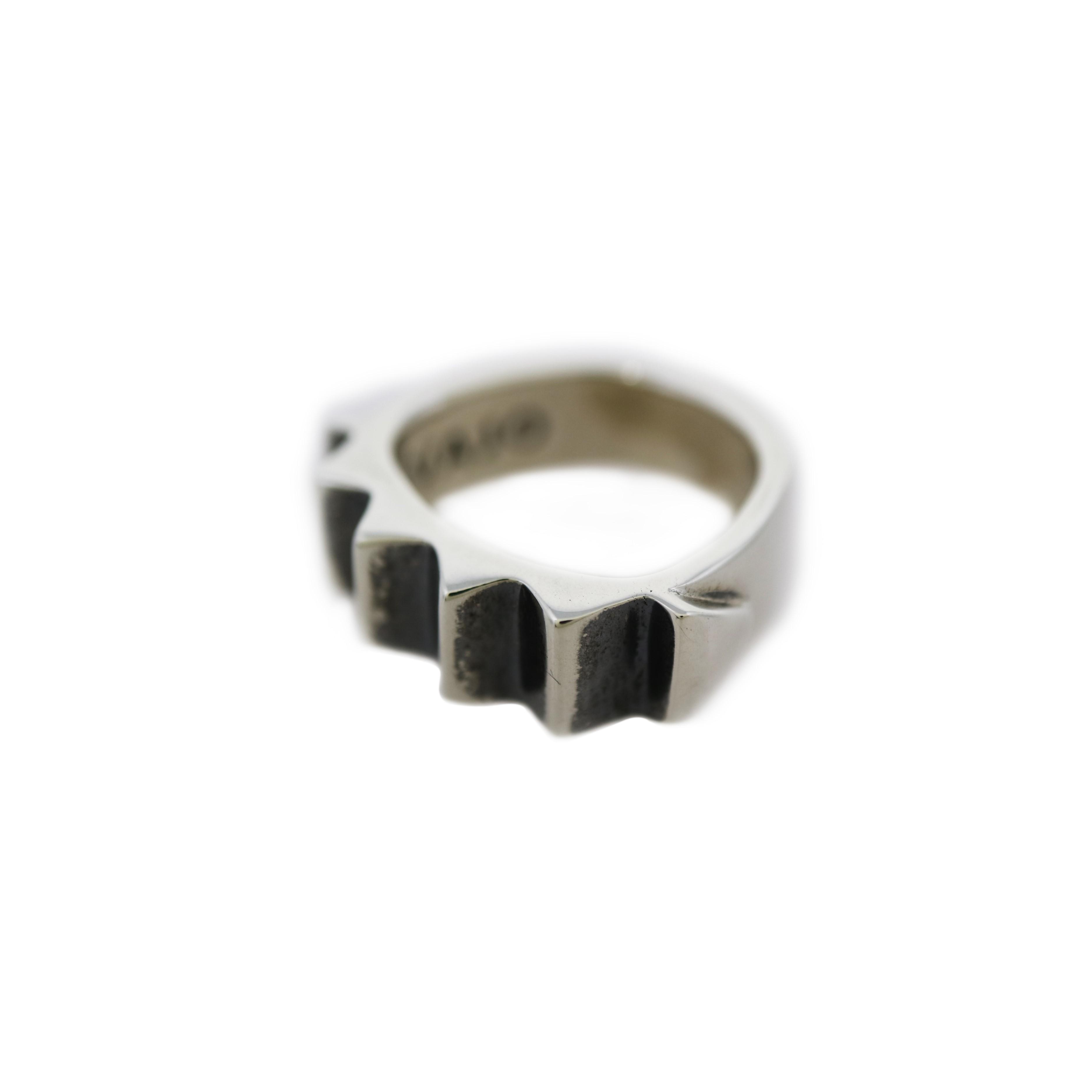 CLEAN V GEAR RING [USD $730]