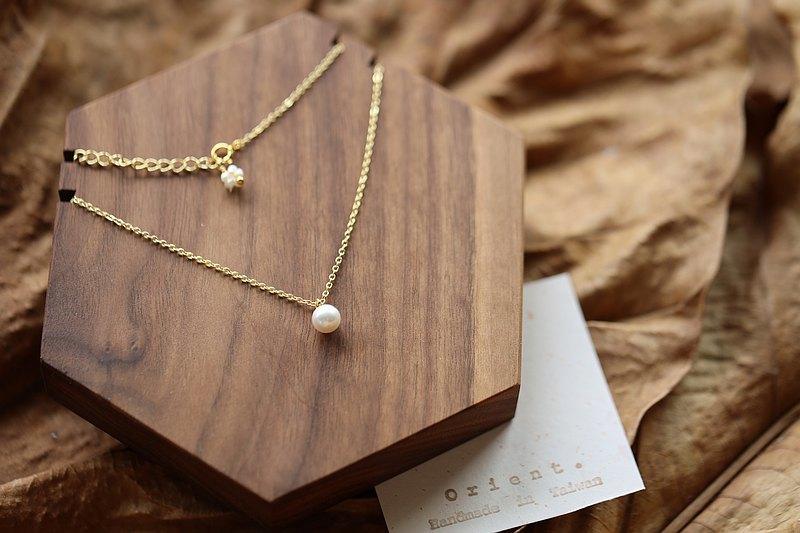 Classic | 經典 Akoya Single Choker 單顆珍珠頸鍊