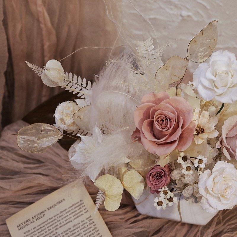 【遇見恆久】甜美冷后永生玫瑰盆栽 開幕盆栽  附盒 共兩款