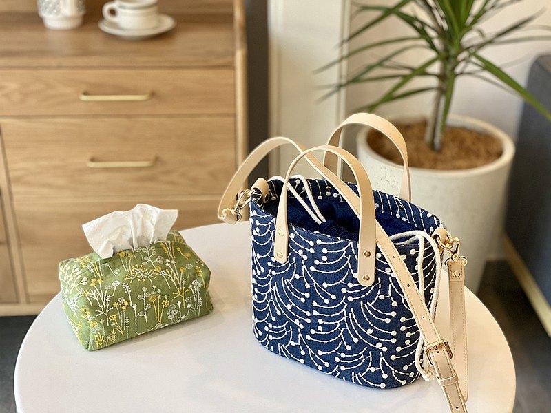 高飽和度藍底花枝刺繡 水桶手提斜跨女包