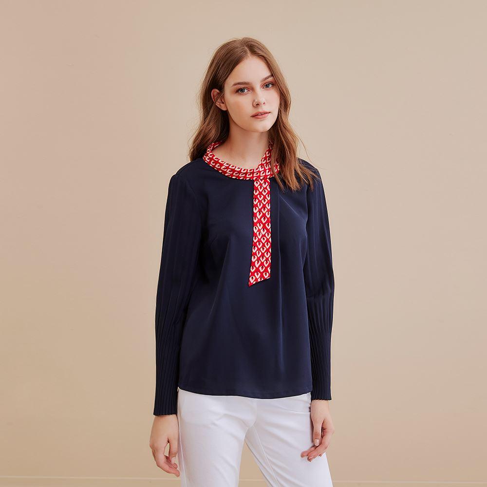 OUWEY歐薇 絲巾領撞色壓褶袖上衣(藍)I59153