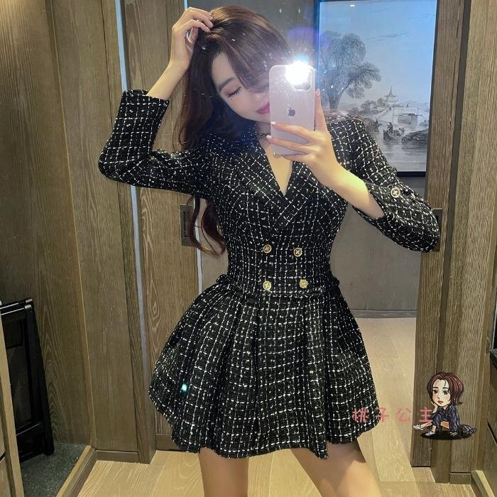 西裝洋裝 輕奢氣質小黑裙高腰長袖蓬蓬裙女秋冬季新款格子西裝洋裝潮