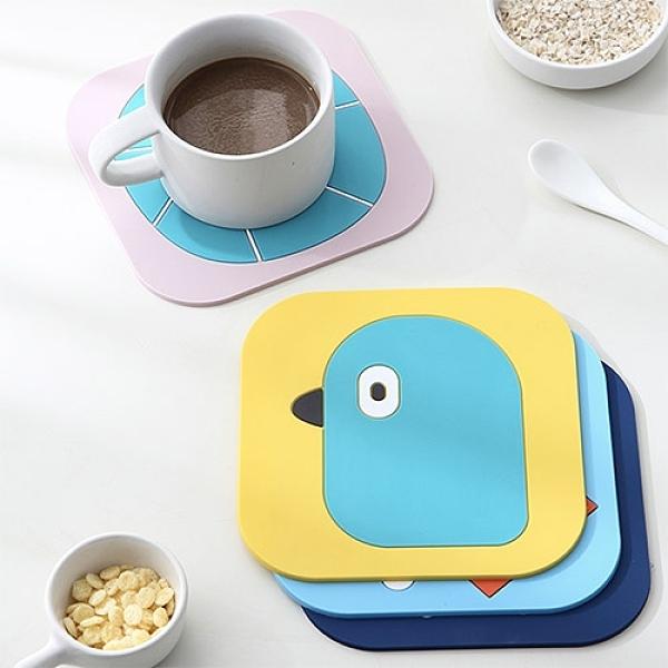 卡通PVC隔熱餐墊 (小) 桌墊 防燙鍋墊 創意家用可愛杯墊 (顏色隨機出貨)