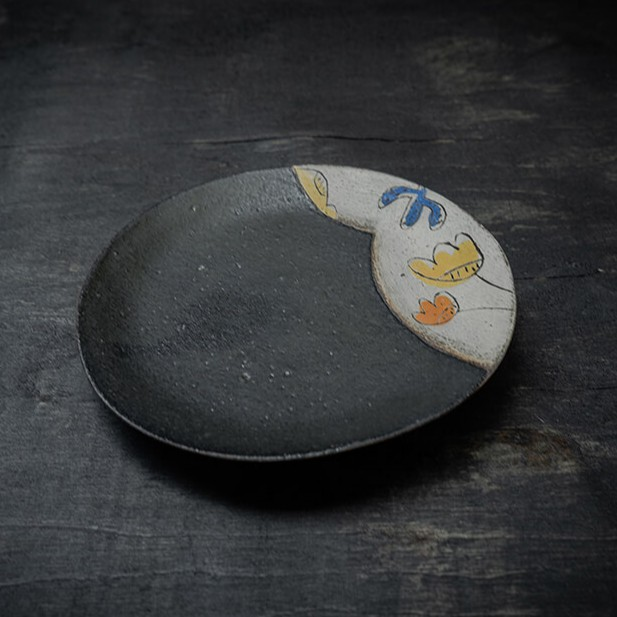 Sunday morning 黑釉陶瓷花園盤 黃鬱金香 B款 MIT台灣在地工藝家製造
