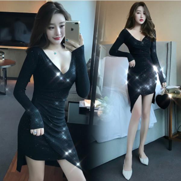 M-XL實拍洋裝 顯瘦V領不規則下擺緊身顯瘦包臀氣質長袖洋裝連身裙(單色黑色)-凱西娃娃