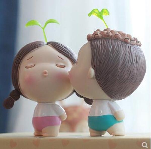 創意情人節生日禮物女友吊腳娃娃擺件情侶電視酒柜家居裝飾品