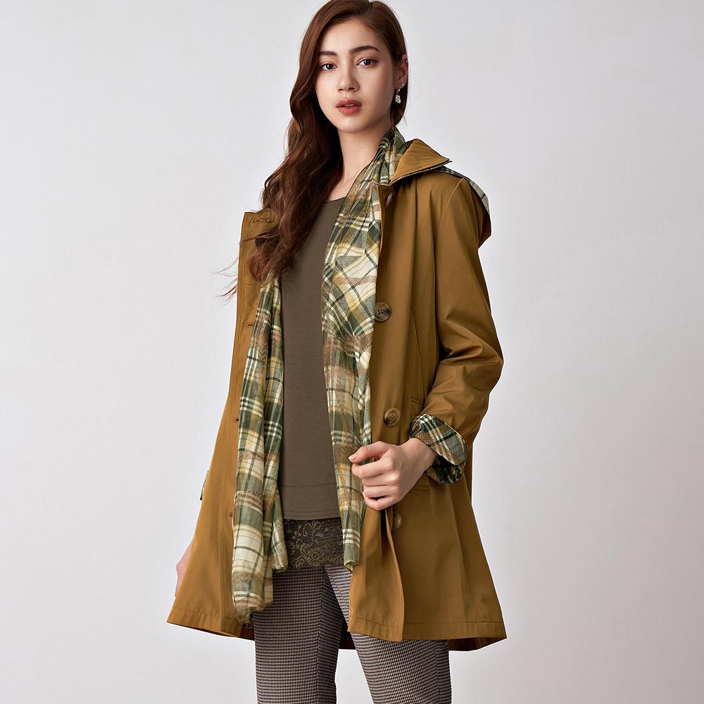 ILEY伊蕾 綠意格紋印花拼接絲巾風衣外套(咖)057422