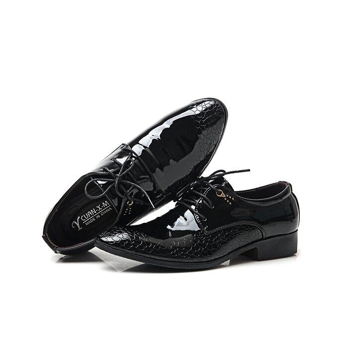 皮鞋 男士皮鞋商務正裝婚鞋工裝夏季低幫亮色增高尖頭英倫潮男鏤空【快速出貨八折下殺】
