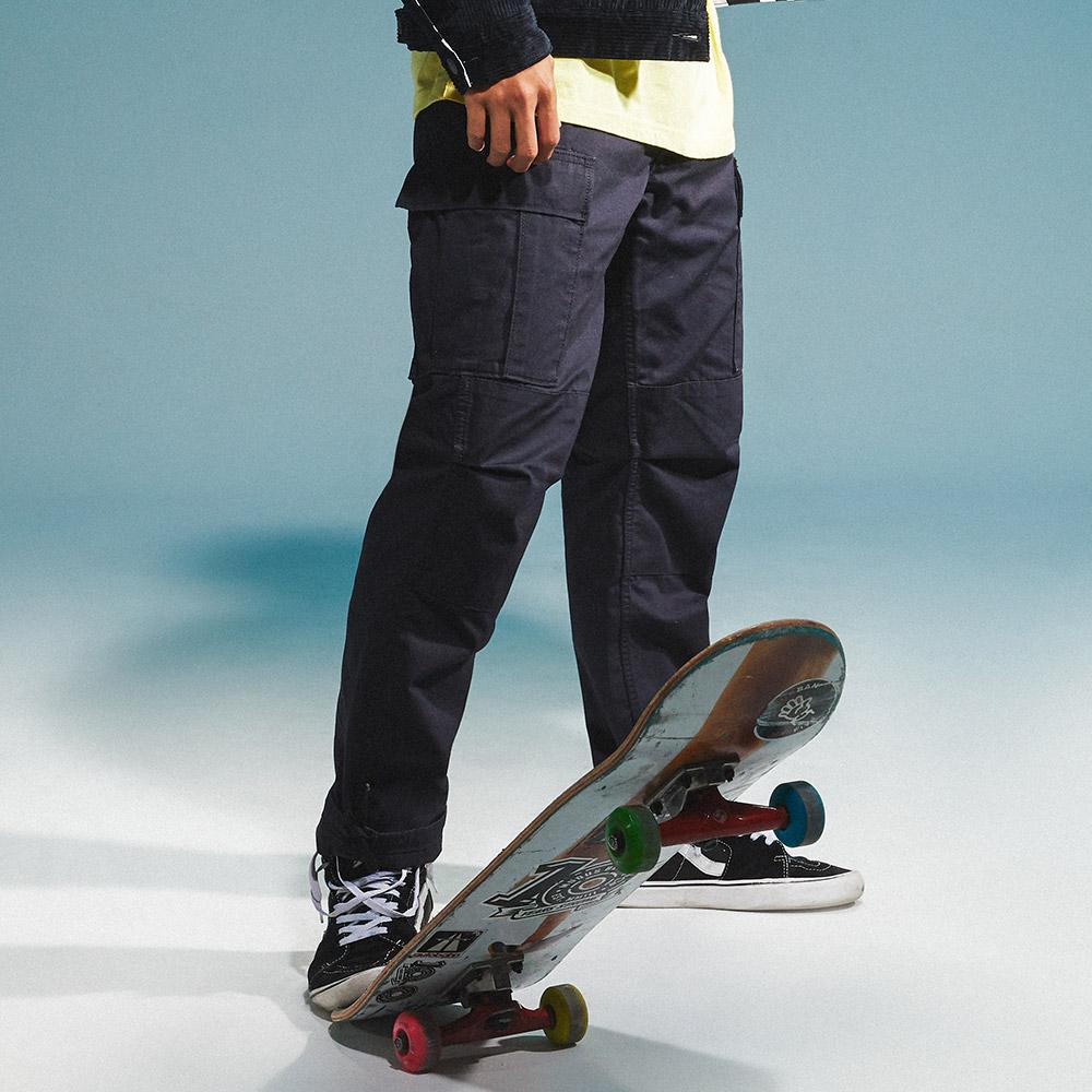 Levis 男款 Cargo 排釦縮口工作褲 / 滑板系列 / 褲管抽繩-人氣新品