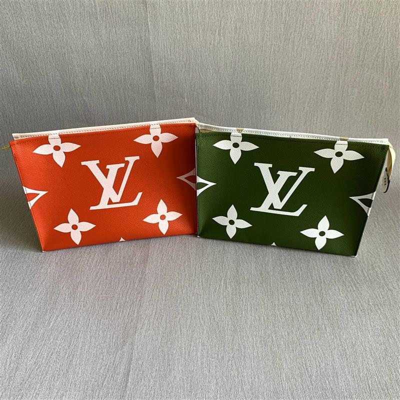 專櫃正品 LV LOUIS VUITTON 老花 洗漱包 手拿包 抹茶綠色M67691 櫻桃紅色M67692