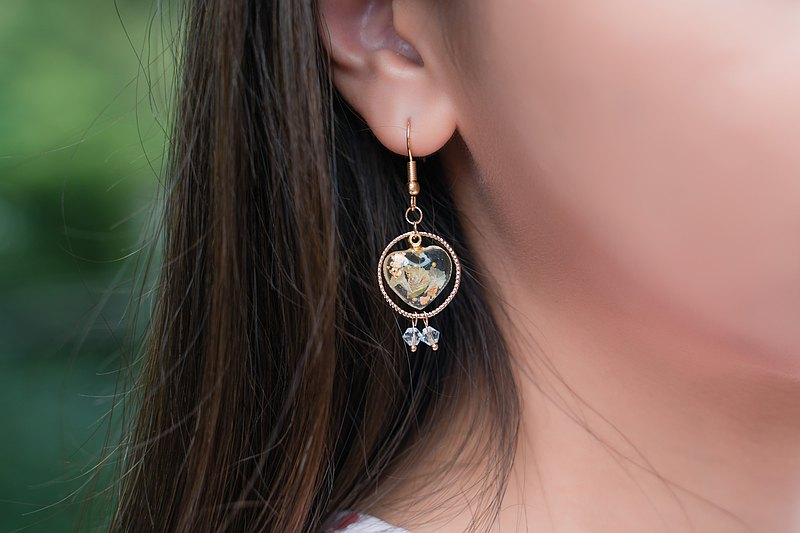 【愛心花墜】不對稱   醫療鋼耳勾   水晶草   樹脂   耳夾  耳環