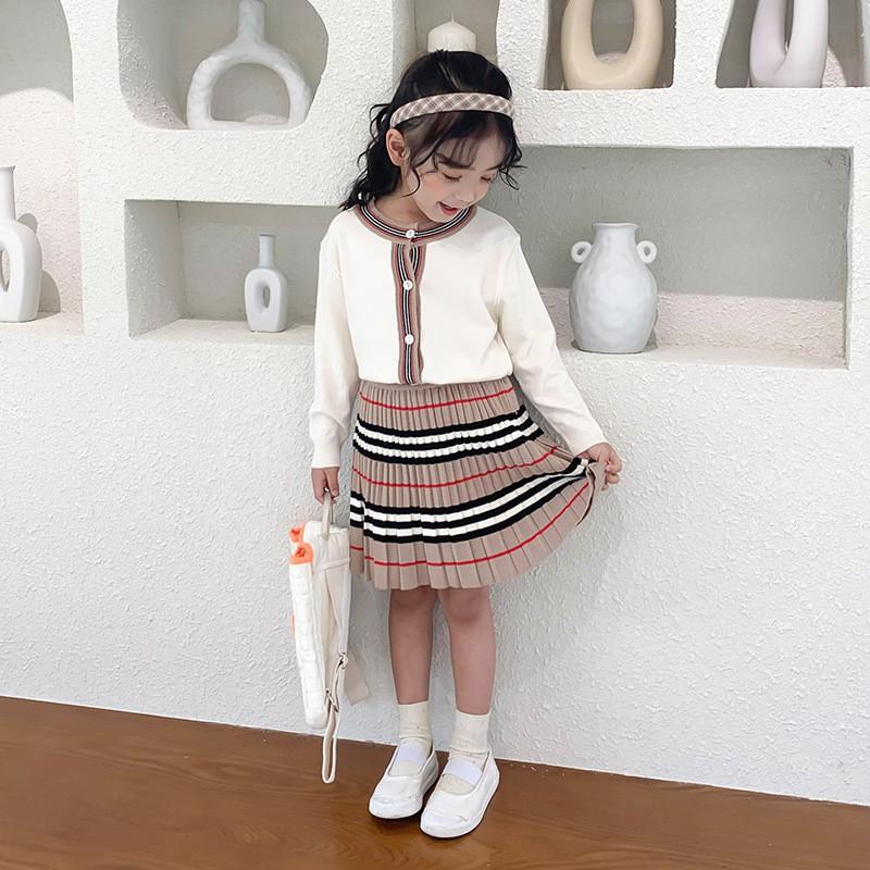 女童學院風針織長袖裙裝套裝 春秋新款 洋氣小女孩針織開衫+短裙 兩件套【IU貝嬰屋】