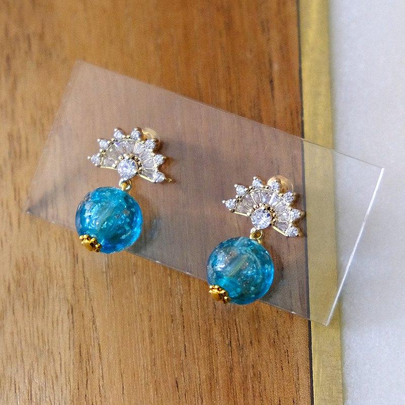 ALYSSA & JAMES 鋯石淺藍色精油琉璃珠耳環 *連精油套裝