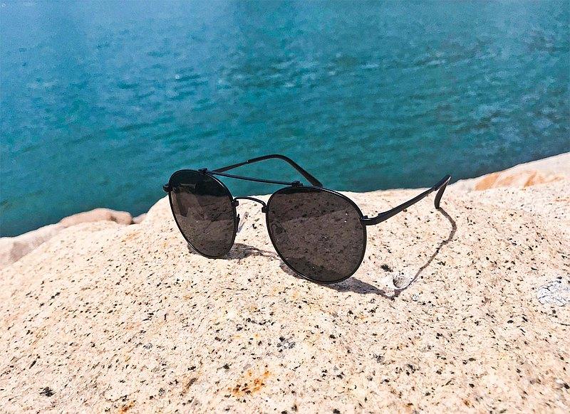 2is JimiE 太陽眼鏡 偏光墨鏡│雙樑大圓│黑色│抗UV400