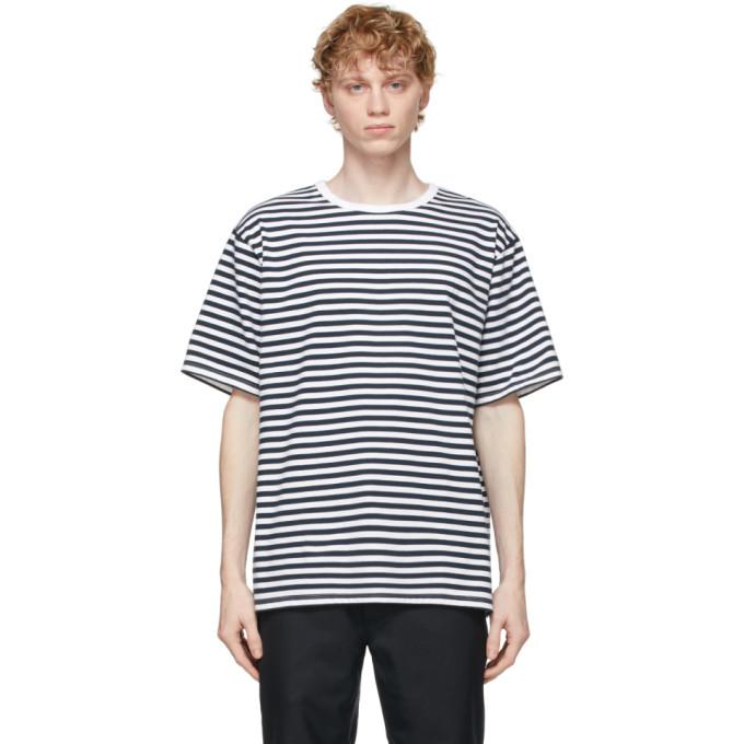 Nanamica 海军蓝 and 白色条纹 T 恤