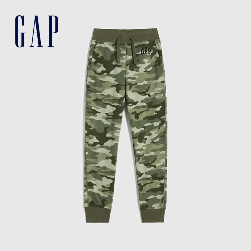 Gap 男童 時尚迷彩碳素軟磨運動褲 791704-綠色迷彩