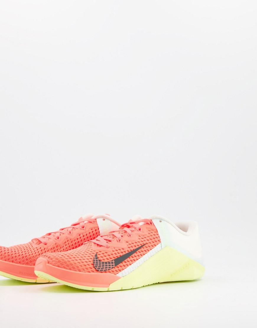 Nike Training Free Metcon 6 trainers in orange
