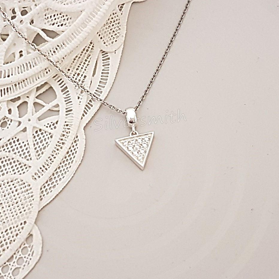 『Silversmith』簡單款❤ 925純銀 項鍊 鑲鑽倒三角 銀墜項鍊 鎖骨鍊 設計款項鍊 送禮 自用