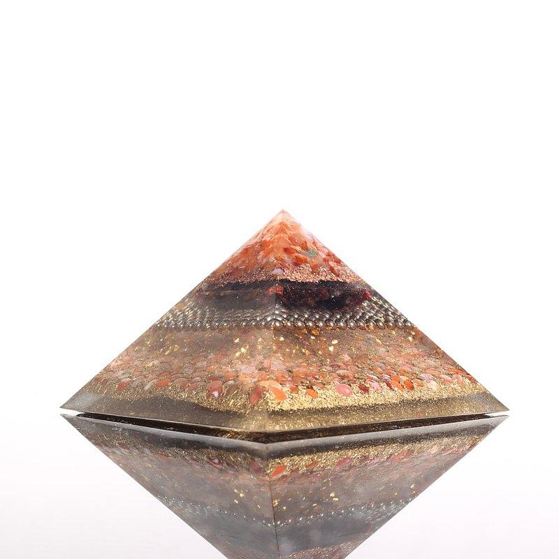 火焰海底輪-超大奧剛金字塔Orgonite水晶礦石女性滋養、強化動力