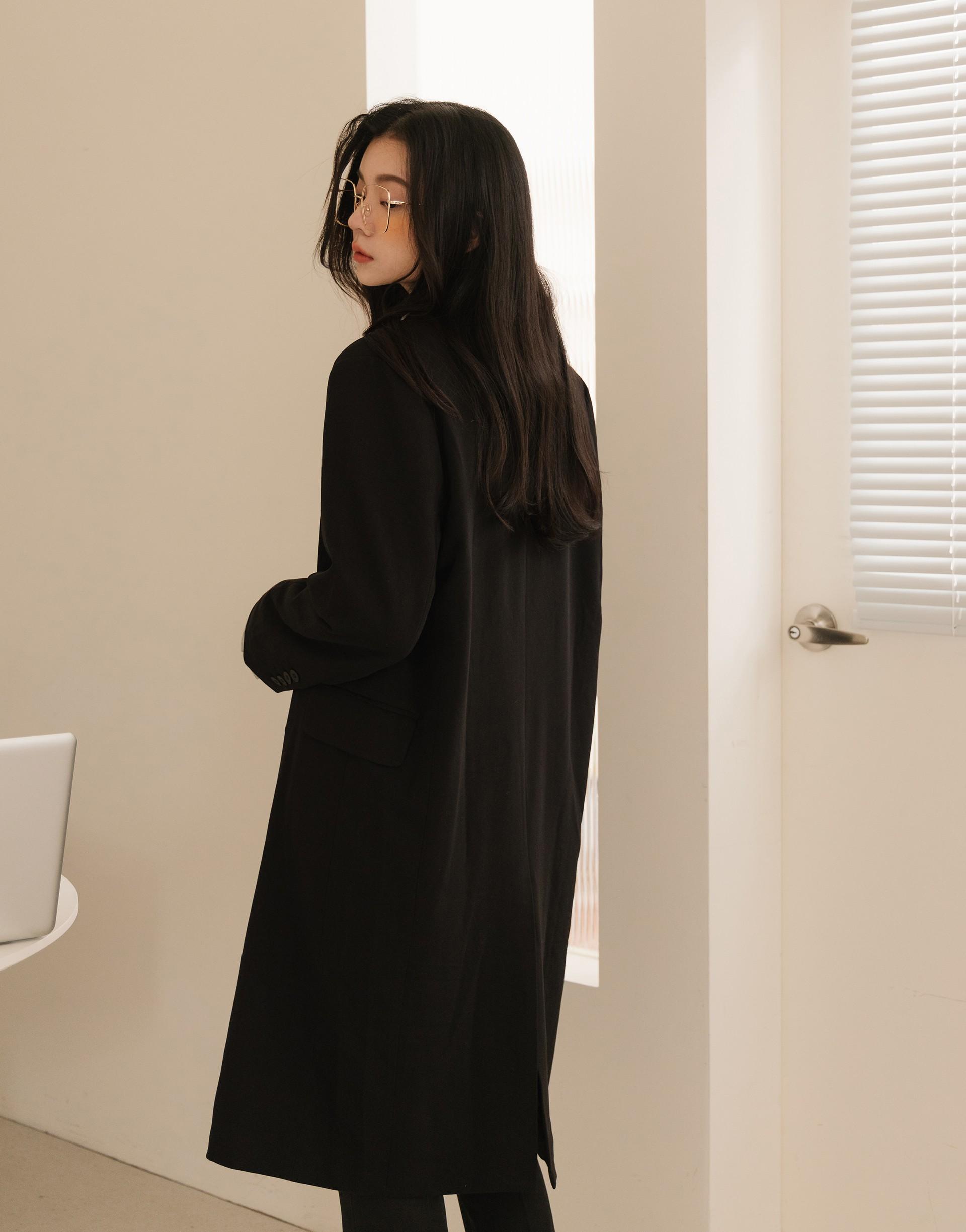 MORE REAL 時髦長版西裝外套(楊丞琳限定款)-PAZZO