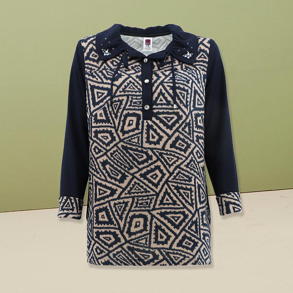 ILEY伊蕾 彈性圖騰印花針織長版上衣(藍)978103