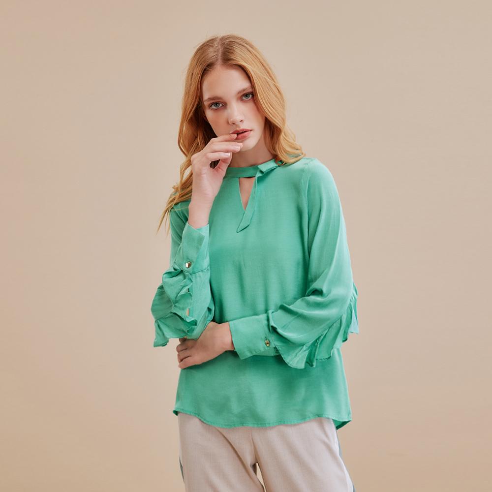 OUWEY歐薇 都會素色造型領荷葉袖上衣(綠)I59130