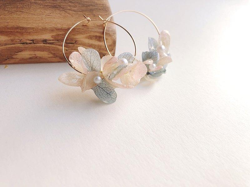 薰風與裙襬 混色花球 氣質耳圈